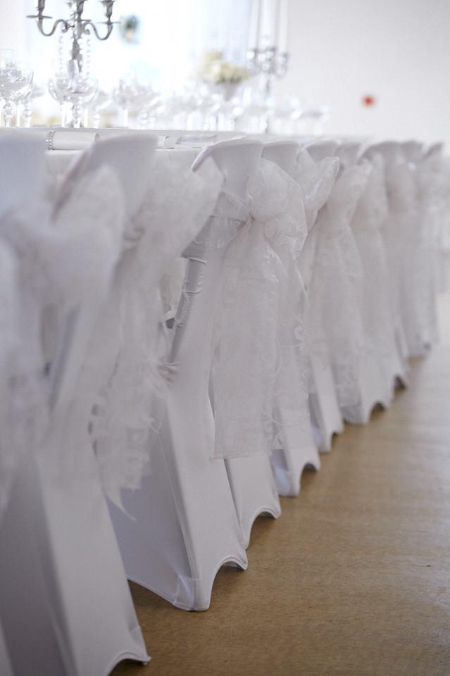 504eabd76206 Prenájom mašle na stoličku biela so vzorom empty